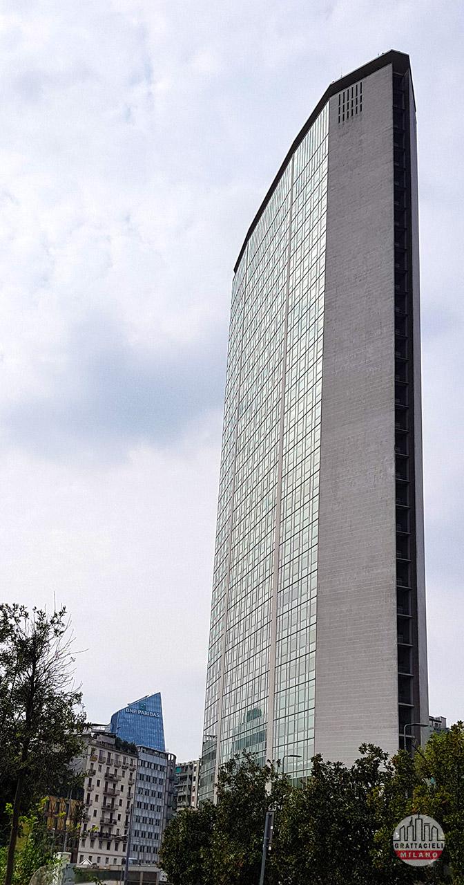 Grattacielo Pirelli - Laterale. © by Demetrio Rizzo