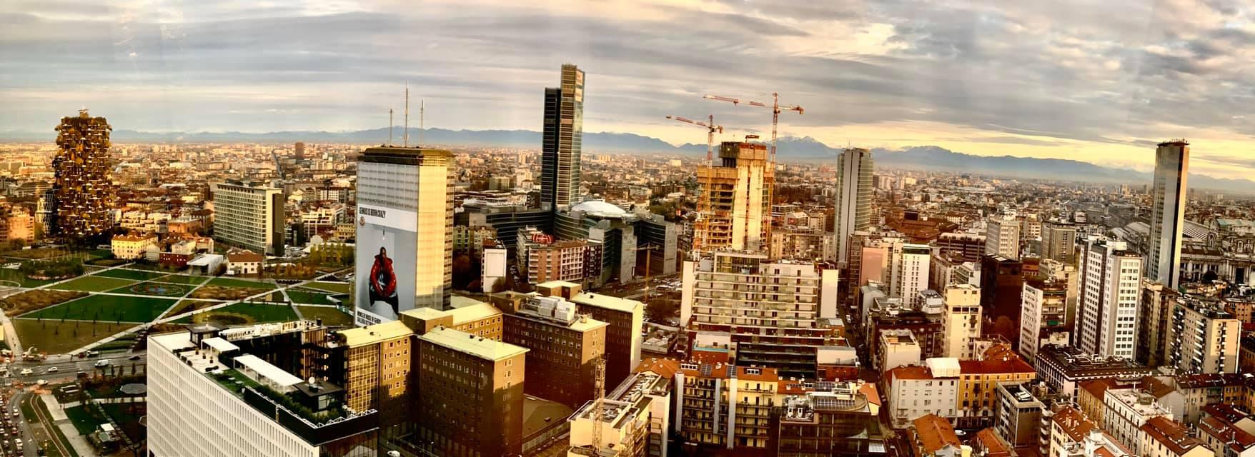 Skyline di Milano, visto da Torre Diamante - ©2019 David Hanoman