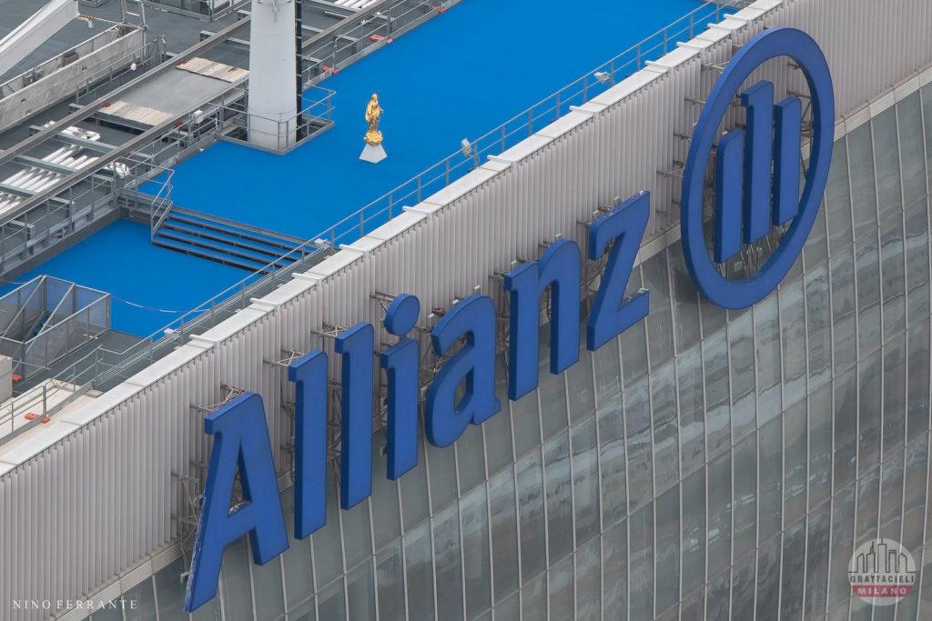 La Madonnina su Torre Allianz Milano. Photo ©Nino Ferrante