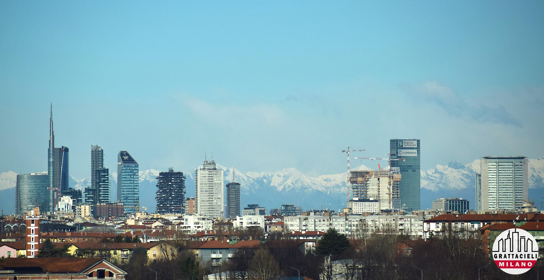 Skyline di Milano, visto da San Donato Milanese. ©2020 Demetrio Rizzo